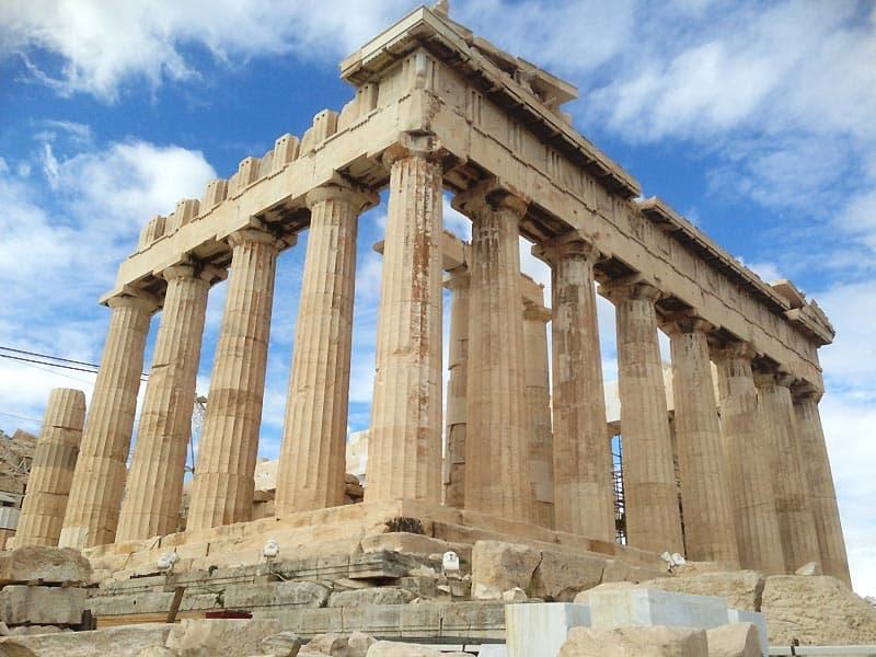 Parthenon-templet på Akropolis et naturligvis et Must-see i Athen.