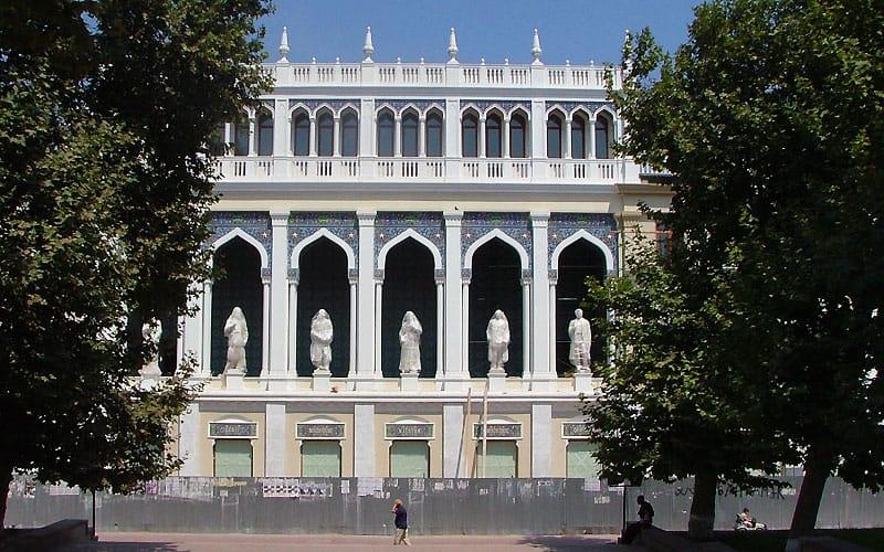 Litteraturbygning i Baku