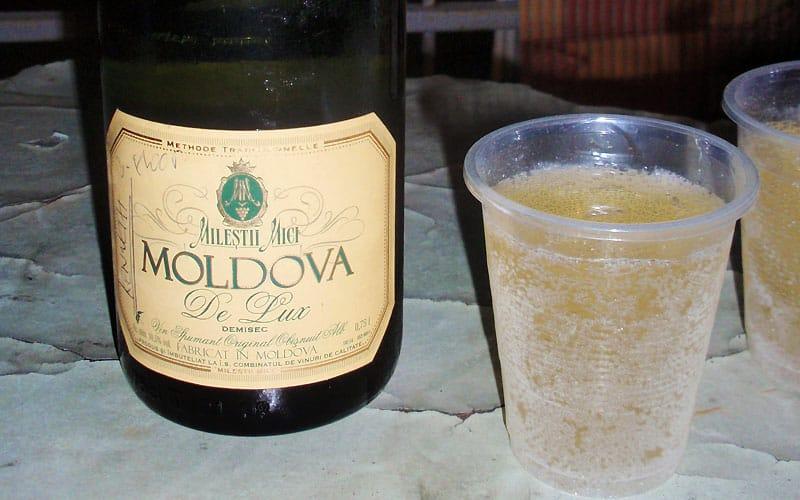 Mousserende vin til mad i Moldova