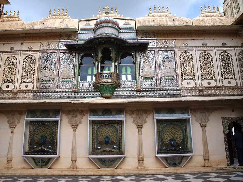 Smukke dekorationer på City Palace i Udaipur