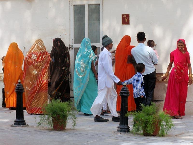 Kvinder i sarier i Udaipur
