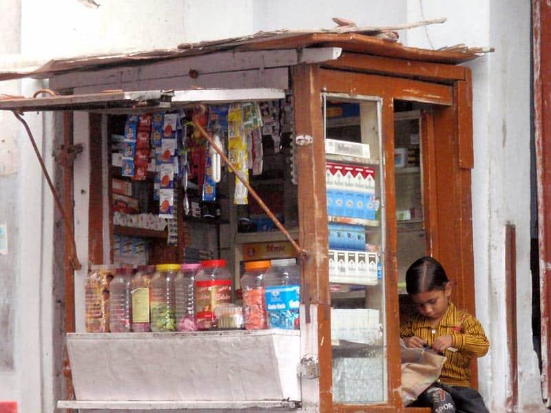 Dreng ved bod i Udaipur