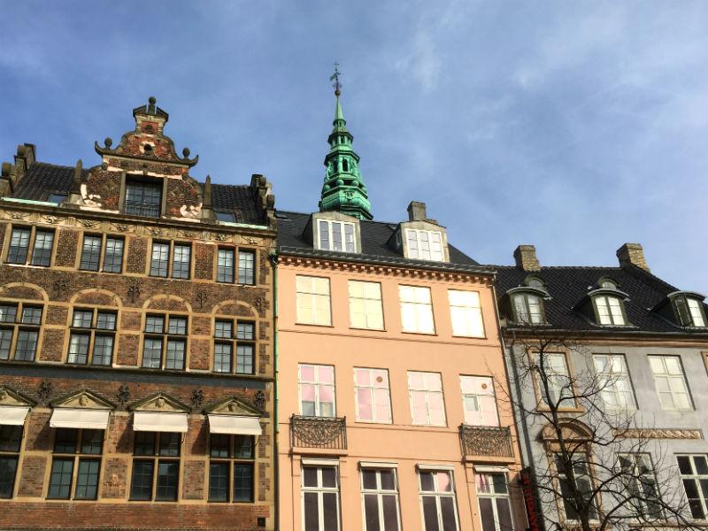 Smukke huse ved Amager Torv i København