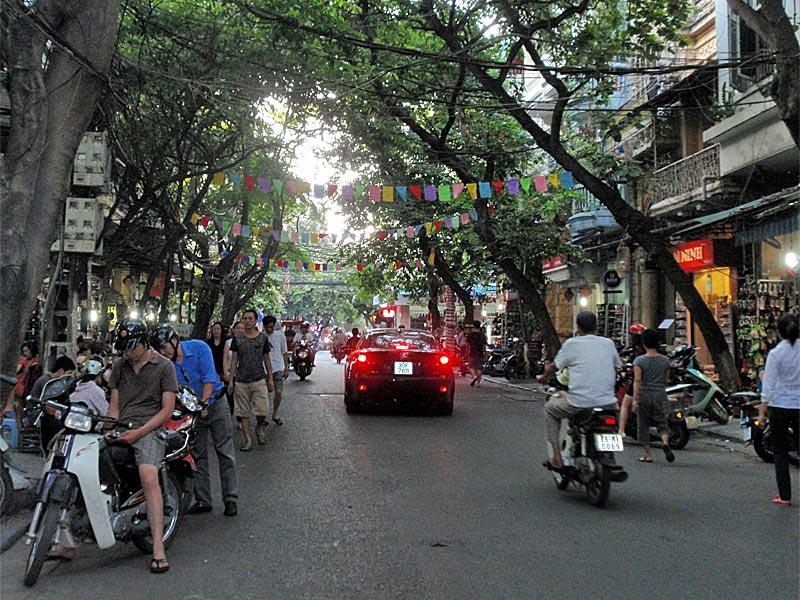 Travl gade i Hanoi