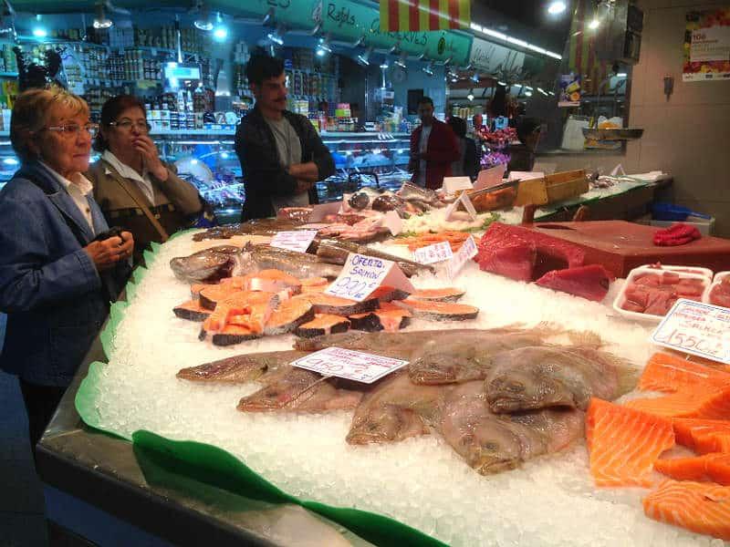 Se markedet Mercat de Santa Caterina på din rejse til Barcelona