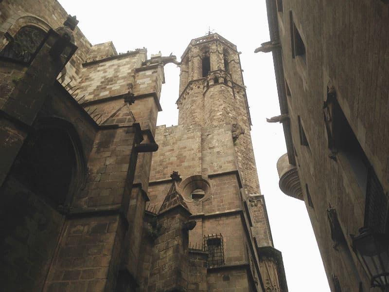 Se Catedral de Barcelona på din rejse til Barcelona