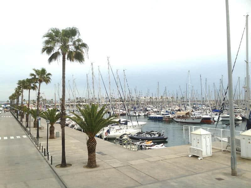 Lystbådehavn i Barcelonas