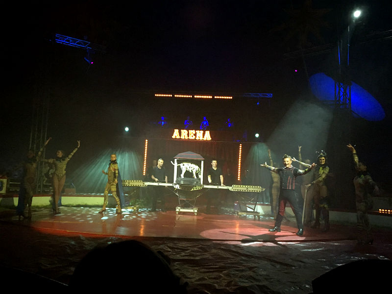Jidinis i Cirkus Arena - Live from Denmark