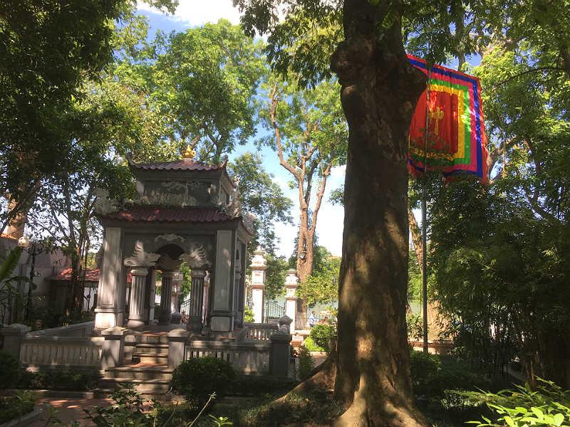 Dinh Nam Huong-templet i Hanoi