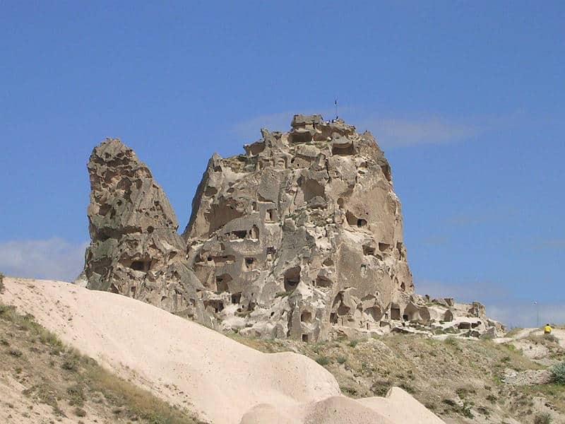 Klippefæstningen i Uchisar i Kappadokien i Tyrkiet - Globetrotters.dk