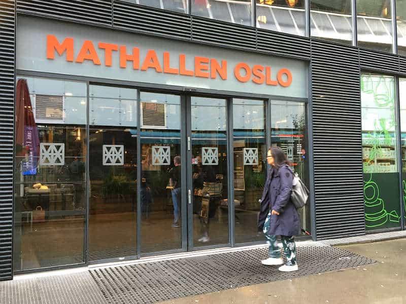 Mathallen er et godt sted at spise mad på din rejse til Oslo