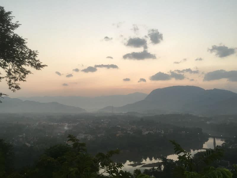 Solopgang over Luang Prabang