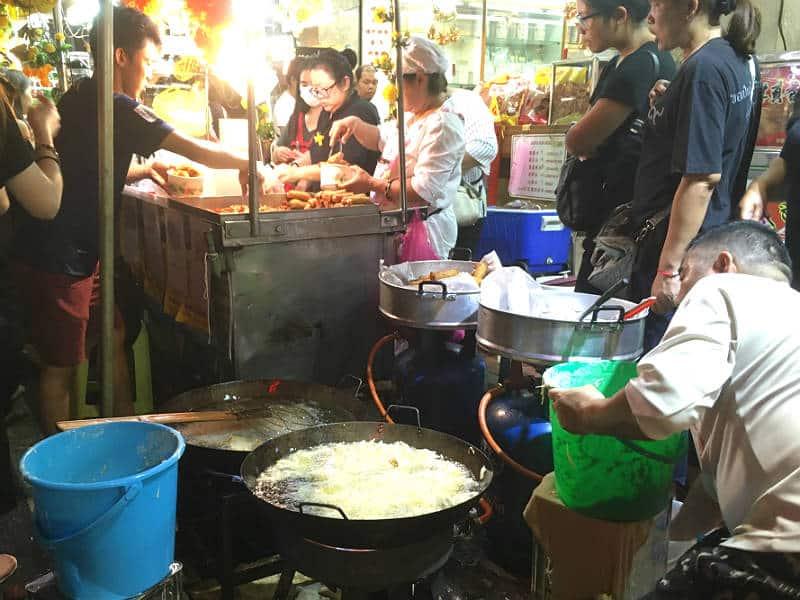 Lydkaos i China Town i Bangkok - slemt når man er lydfølsom