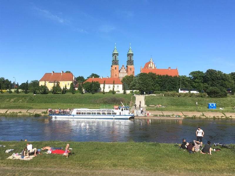Katedralen i Poznan ved Warta-floden
