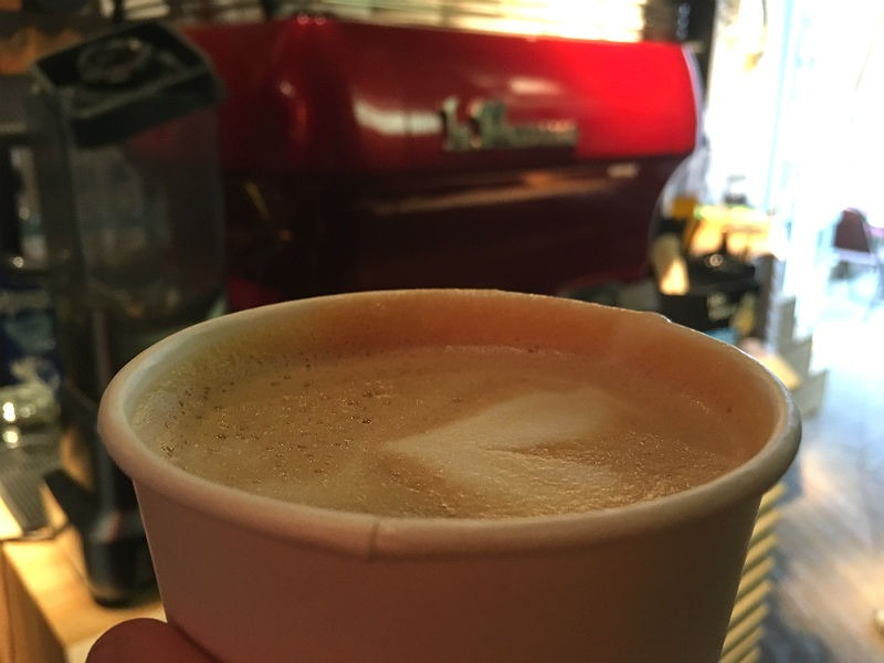 Cappuccino fra Surf coffee kaffebaren i Moskva