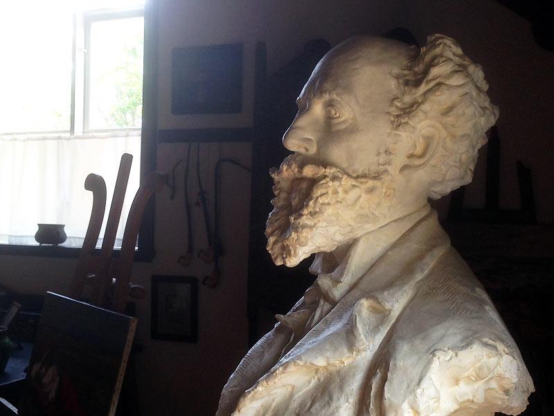 Buste af Drachmann i Skagen