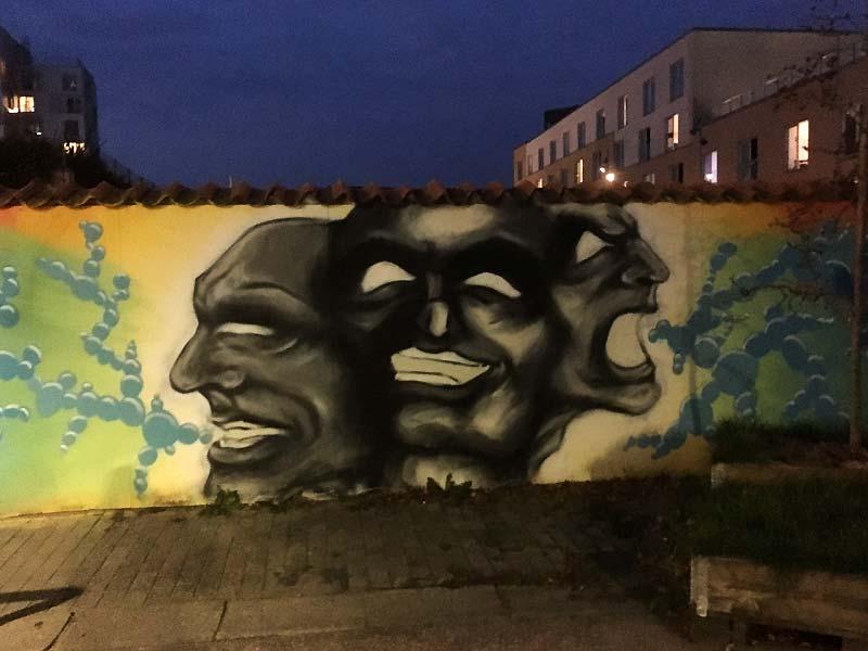 Street art af  Mak:vrk i Sankt Hans Gade i Aalborg