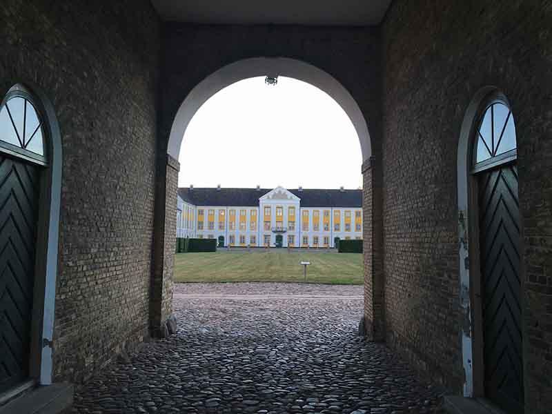 Kig til Augustenborg Slot på Als