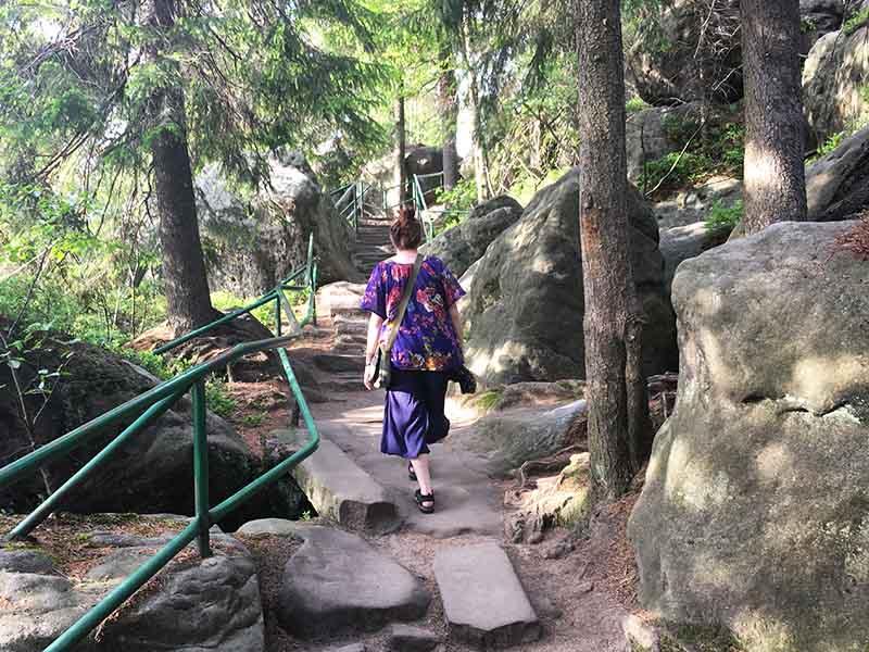 Maria Erica Jensen i skoven i Polen