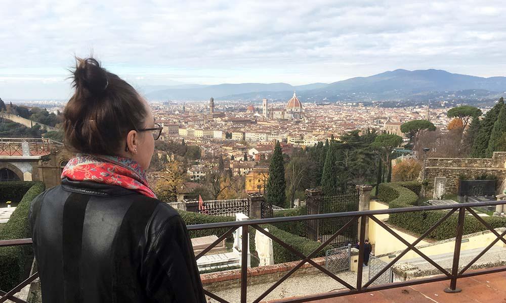 Maria Erica Jensen med udsigt over Firenze i Italien