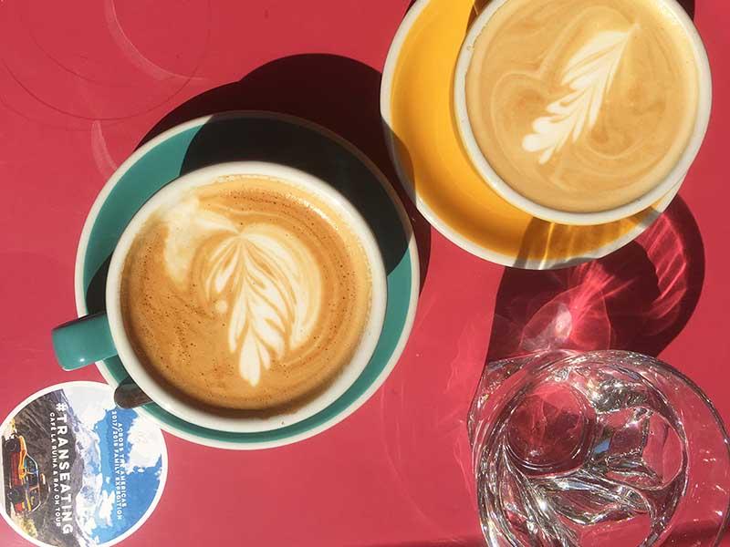 Kaffe ved Café La Ruina i Raj - en god kaffebar i Poznan