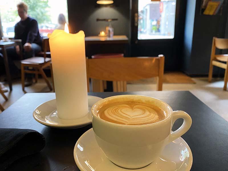 Kaffe på kaffebaren Enghave Kaffe i København